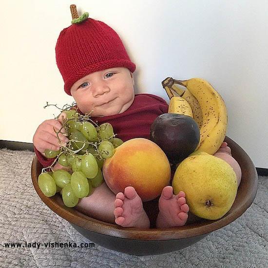 Costume cerise pour bébé