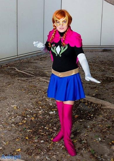 Anna - super-héros pour Halloween