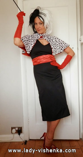 Robe de Cruella sur Halloween - photo