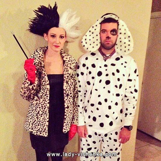 de Cruella pour Halloween avec un chiot