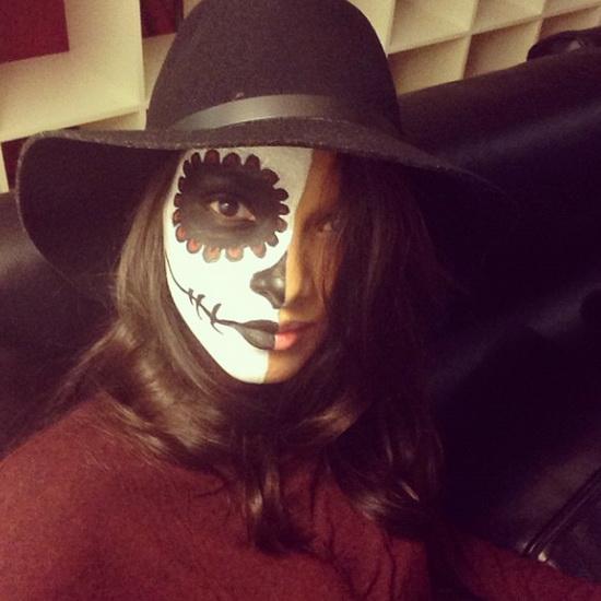 Modèle Lais Ribeiro sur Halloween