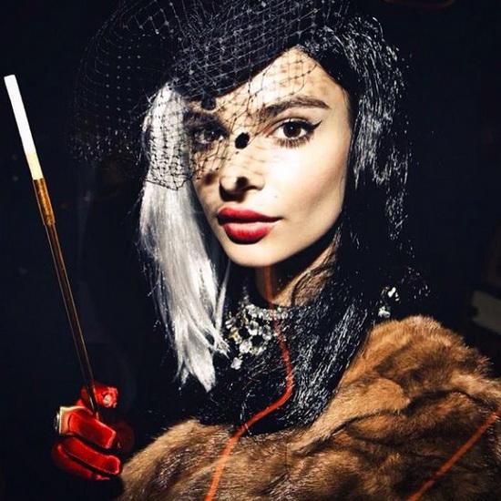 Modèle Emily Ratajkowski Halloween
