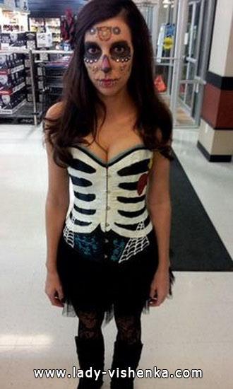 Photo Halloween, la jeune fille - Déguisement squelette