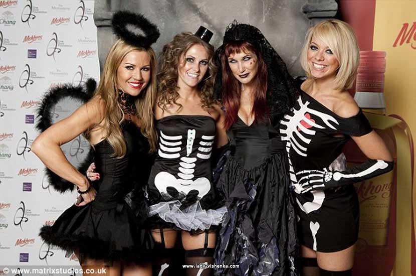 La robe Halloween - un costume de squelette