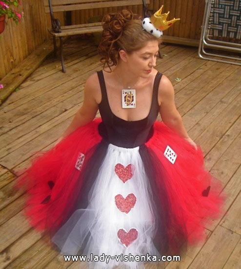 2. déguisement reine de coeur d'alice au pays des merveilles
