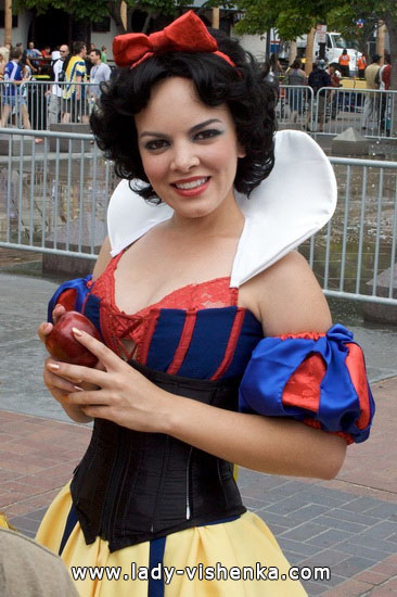 Belle Blanche Neige pour Halloween